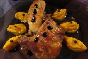 Porc fiert si copt, cu piure de morcov aromat